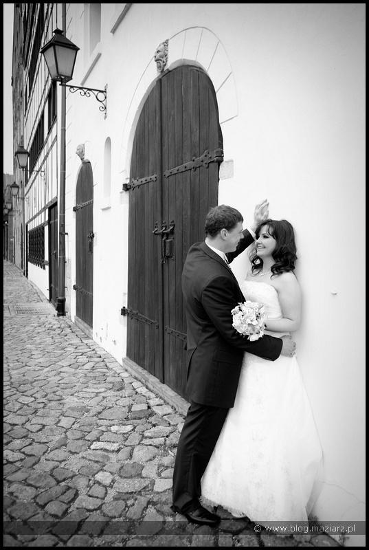 zdjęcia ślubne na starym mieście w Gdańsku