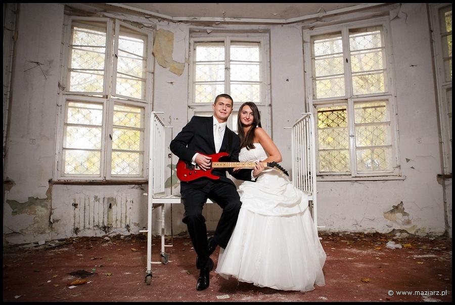 Plener ślubny w szpitalu