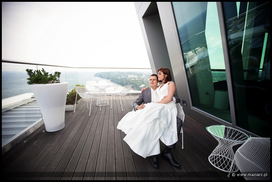 Nowoczesny Plener ślubny W Gdyni Zdjęcia ślubne Gdynia Sea Towers