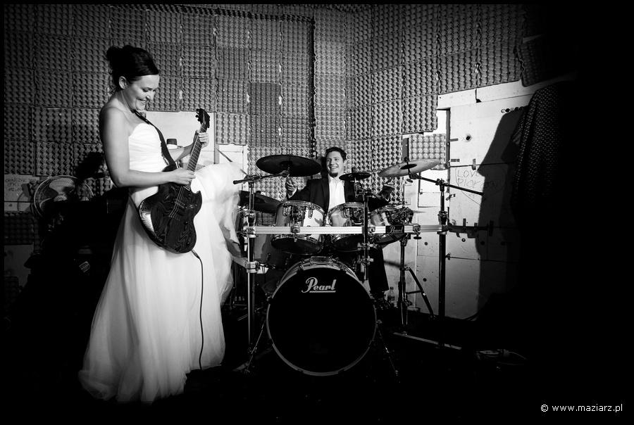 plener ślubny z perkusją